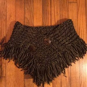 Accessories - Knitted scarf shawl
